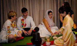Cérémonie du thé dans un mariage